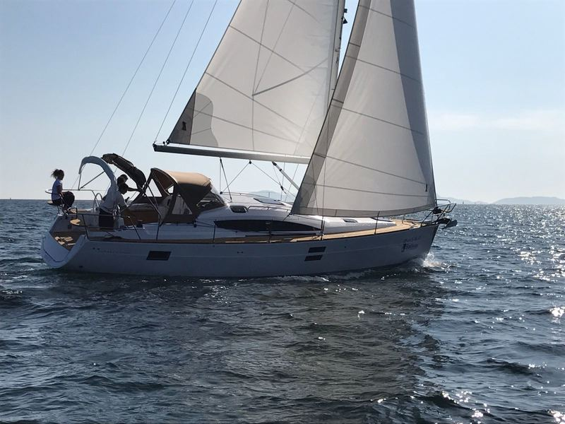 Elan_Impression_40_Navegando_Sailing_Sailway_Charter_Galicia