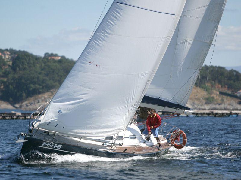 Elan_Performance_37_Navegando_Sailing_Sailway_Charter_Vigo