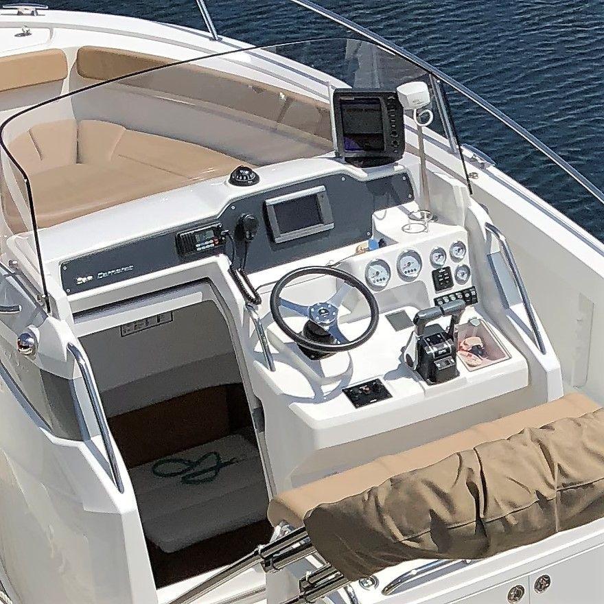 J850_consola_Sailway_Charter_Rias_Baixas_Galicia