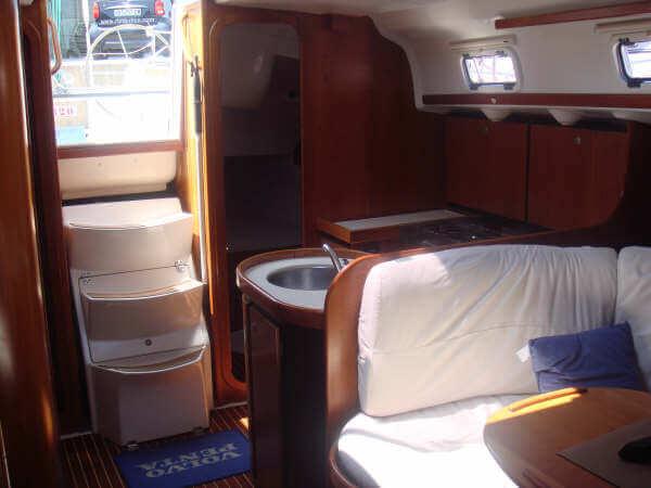 Ro400_cocina_Sailway_charter_Galicia_Ria_Vigo