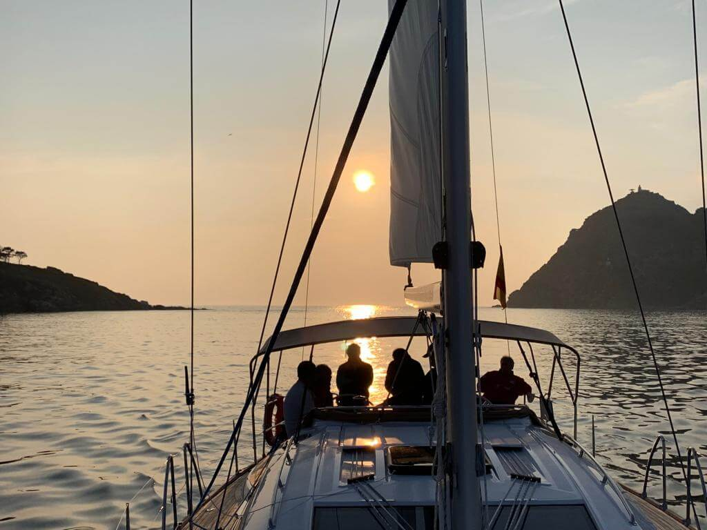Patron_de_capitan_yate_Titulaciones_nauticas_sailway