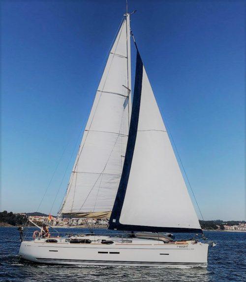 Dofour_40.5GL_navegando_sailing_sailway_charter_galicia