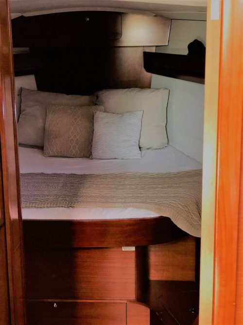 Dufour40.5L_cabin_sailway_charter_galicia