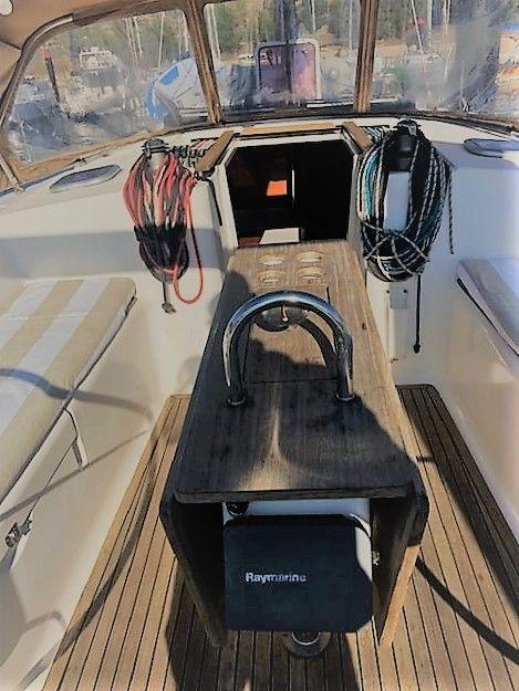 Dufour40.5L_cockpitarea_sailway_charter_galicia