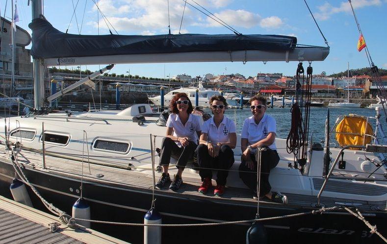 Navegando_Rias_Baixas_Elan_37_Sailing_Holidays_Sailway