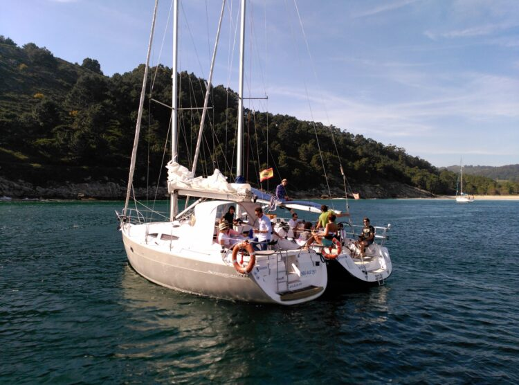 Flota_Sailway_fondeada__Galcia_Ruta_Náutica_Rias Baixas_Sailway